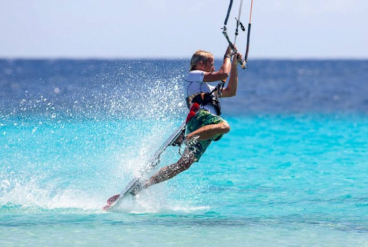Kite Ride Bonaire: blue water kiteboarding