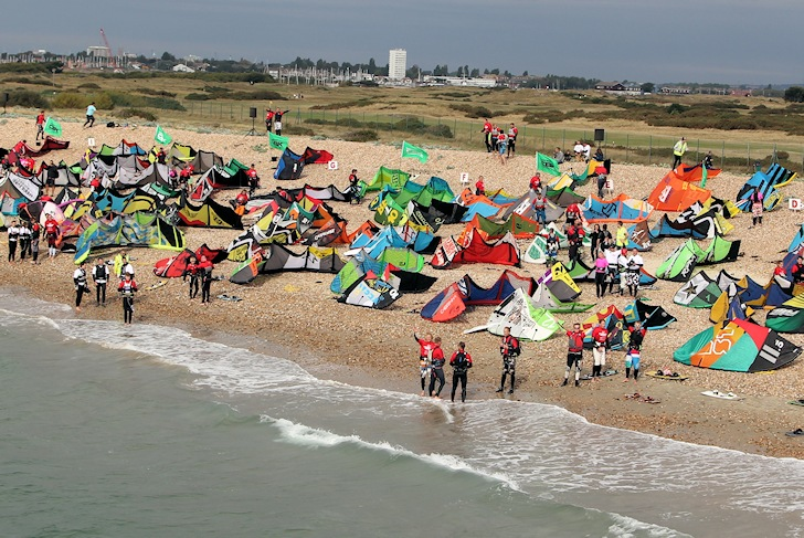 Virgin Kitesurfing Armada: 500 kites ready to ride