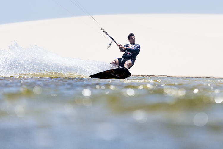 Kitesurfing: not as cheap as surfing, but not more expensive than windsurfing | Photo: Costa/Red Bull