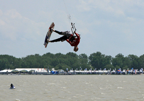 2010 Kitesurf Tour Europe: kite tricks for every taste