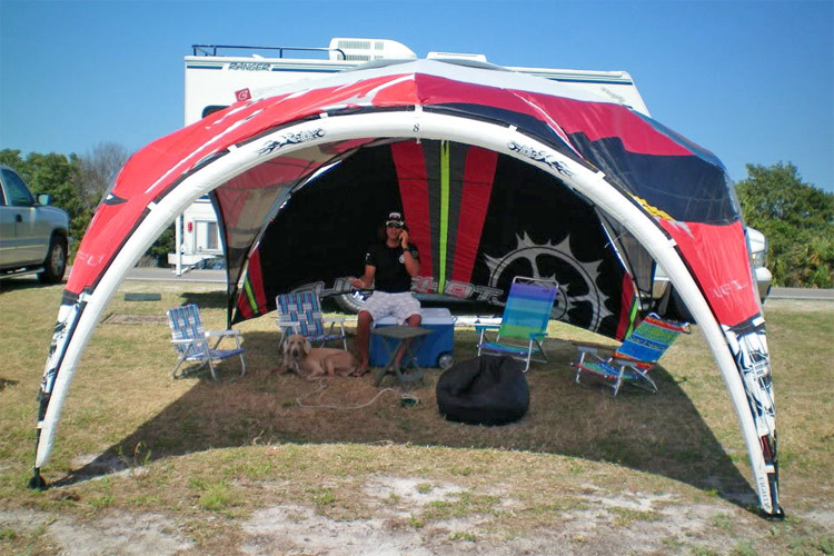 Old kites: you can always get a new tent | Photo: Kiteboarding Tampa Bay