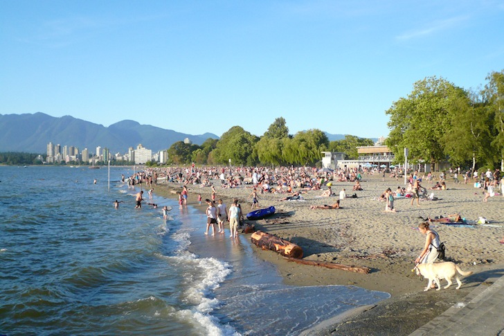 Kits Beach: learning with marine debris