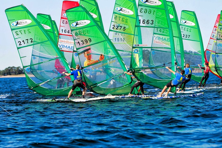 Kona One: all sailors use identical boards | Photo: Kona Windsurfing