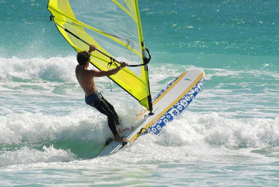 Kona One: this is classic windsurfing