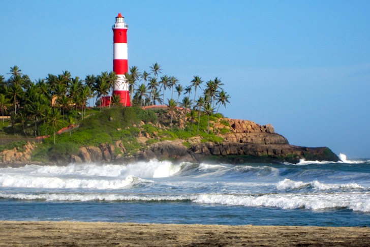Kovalam Beach: perfect left-handers in the lighthouse