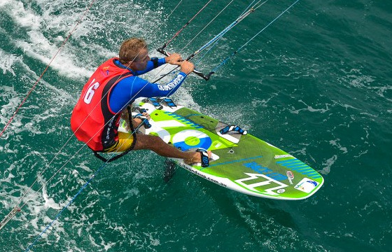 Kiteboard Tour Asia: riding fast with the monsoons