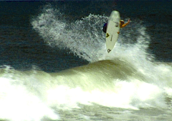 Kustom Air Strike: a must do to all fly surfers