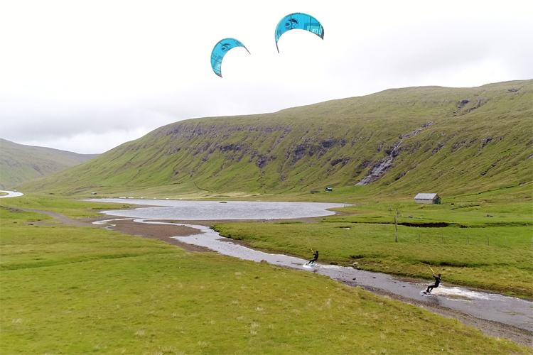 Lake Sørvágsvatn: stunning spot to ride a kite