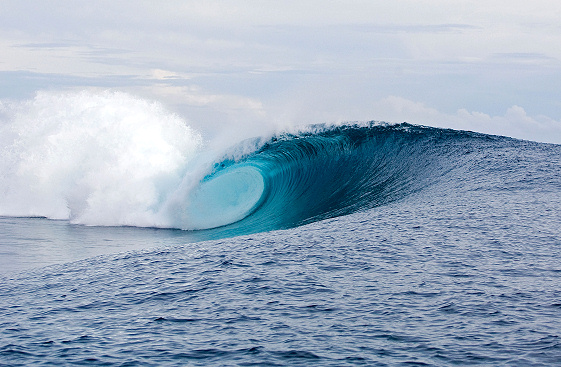 Still no waves in the 2009 Billabong Pro Tahiti