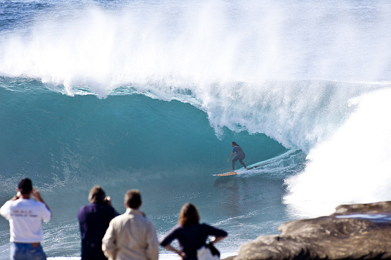 Layne Beachley rides biggest wave ever by a female surfer in Australia