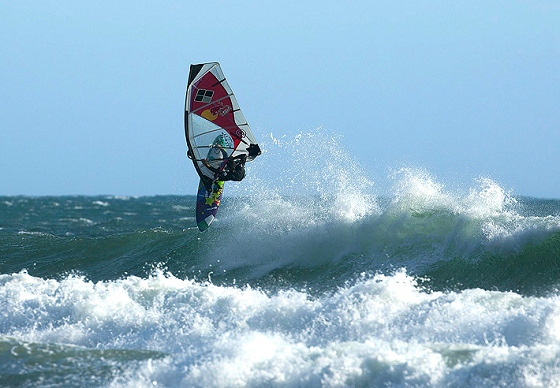Levi Siver: always higher in the waves