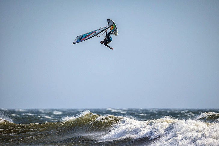 Levi Siver jumps to victory in the 2014 AWT Pistol River Wave Bash