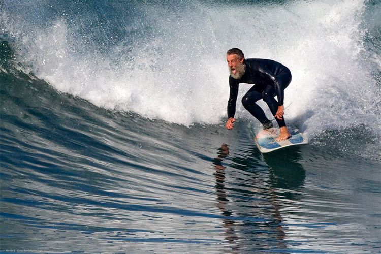 Surfing: a sport for all ages | Photo: Kevin Cole/Creative Commons