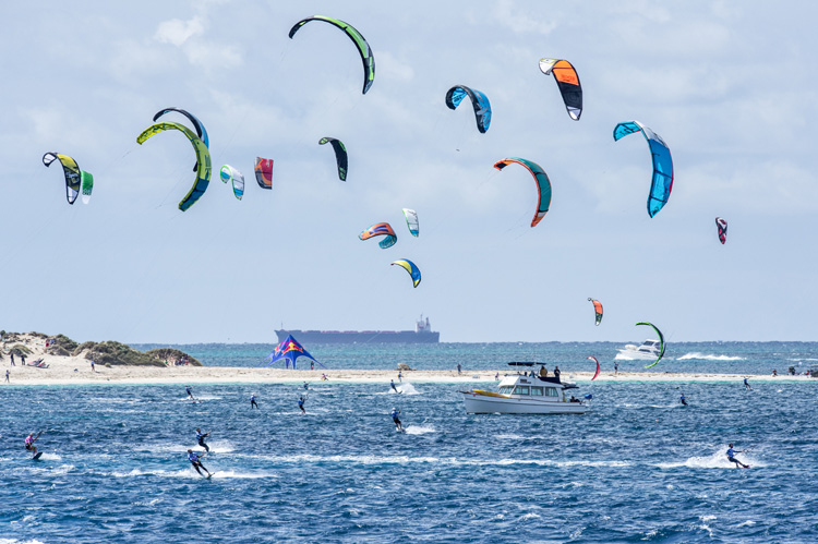 Lighthouse to Leighton: 115 kiteboarders racing to victory | Photo: L2L