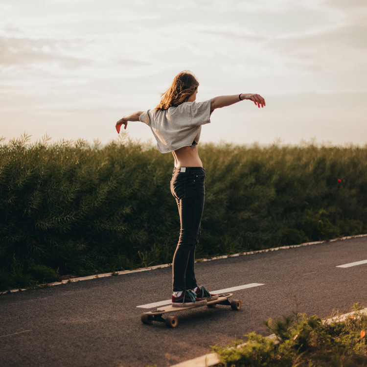 Longboard dancing: expressing yourself on a skateboard | Photo: Purple Smith/Creative Commons
