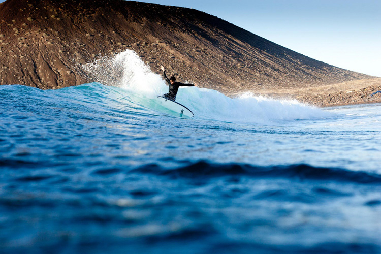 Los Lobos: the longest wave in the Canary Islands