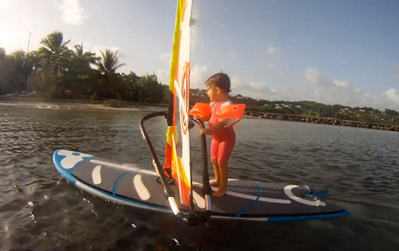 Louison: the windsurfer with 27 months