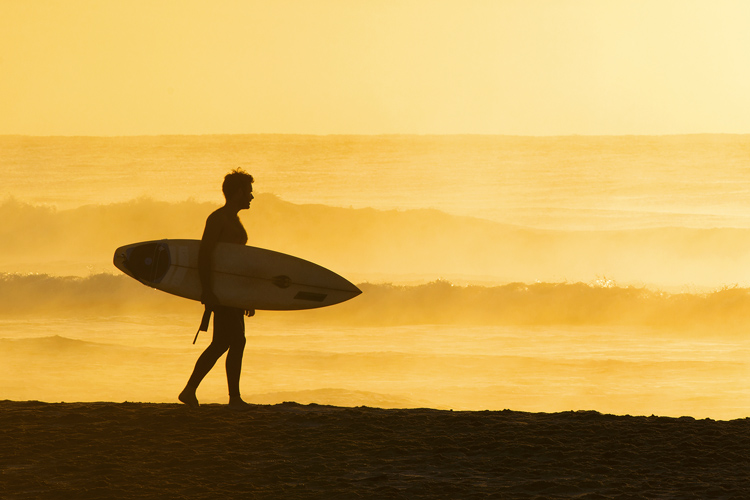 Surfing: if you need a break from the waves, take it | Photo: Shutterstock