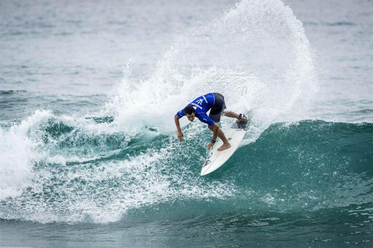 Lucca Mesinas: the Peruvian regular-footer won his first QS event | Photo: Poullenot/WSL