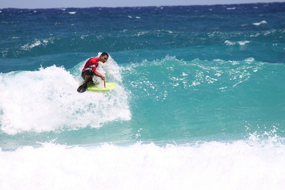 Makapuu Championships: sunny waves out there