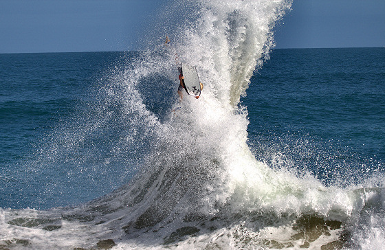 Mandurah Wedge: backwash show in Australia