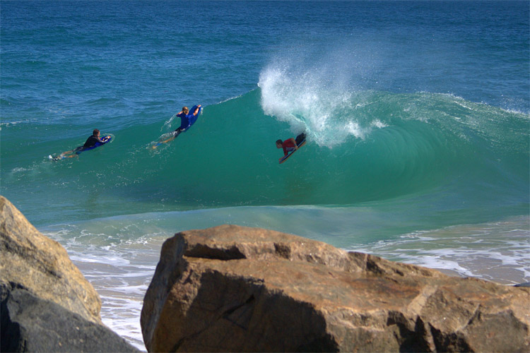 Mandurah Wedge: a backwash roller coaster | Photo: Woolacott/Surfing WA