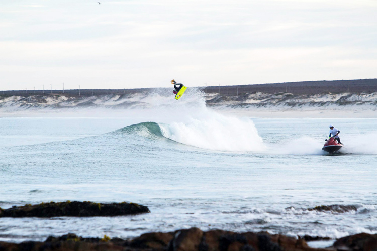 Mark McCarthy: flying to victory at Yo-Yo's reef | Photo: KWCC