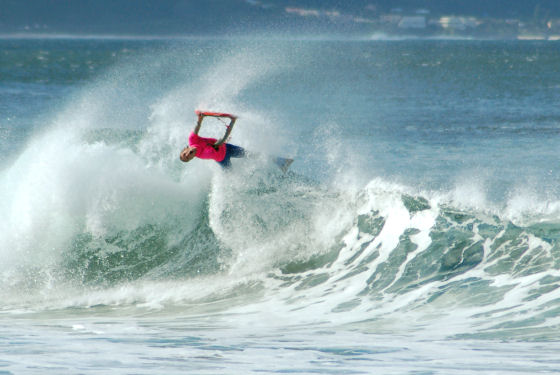 Mark Watts claims the 2009 Wedge Classic at Plettenberg Bay | Photo: Gareth White