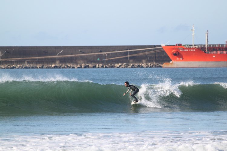 Matosinhos: a consistent beach break with subway access | Photo: SurferToday
