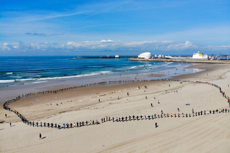 Matosinhos: one of the most popular surf spots in Portugal | Photo: Nuno Azevedo