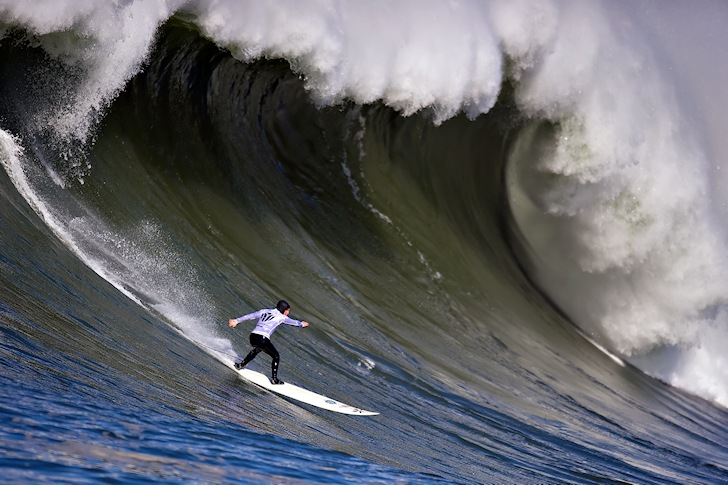 Mavericks: steep drops in cold water | Photo: Jacobovs
