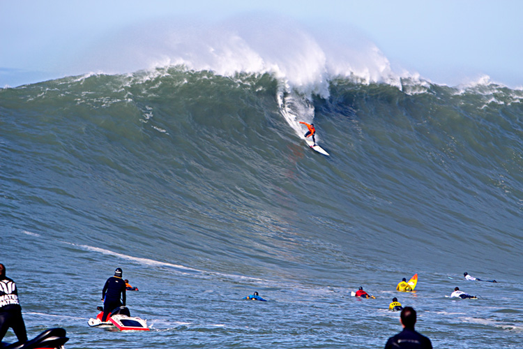 Mavericks: it reaches epic proportions when waves hit the 30-foot mark | Photo: Briano/WSL