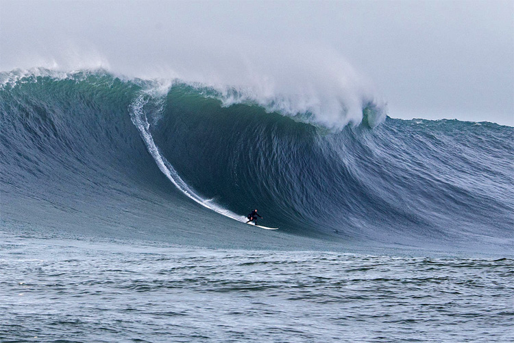 Mavericks: the new contest format wants highlight completed waves | Photo: Fred Pompermaye