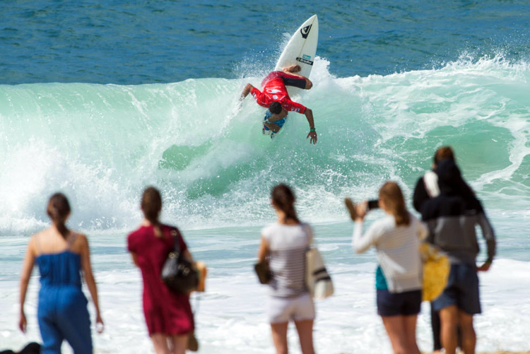 Maxime Huscenot: vertical attack | Photo: Poullenot/WSL