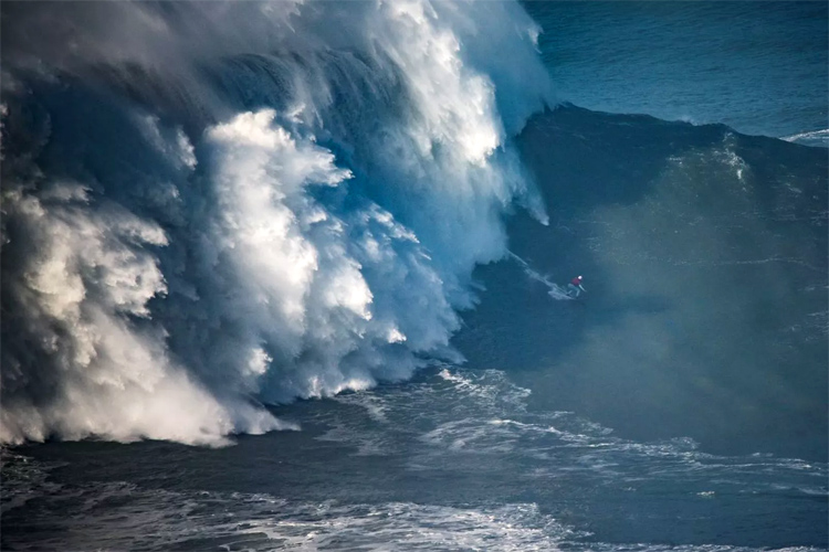 Maya Gabeira: is this an 80-foot wave | Photo: Bruno Aleixo