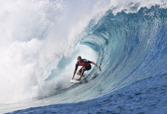 Mick Fanning: Teahupoo charger
