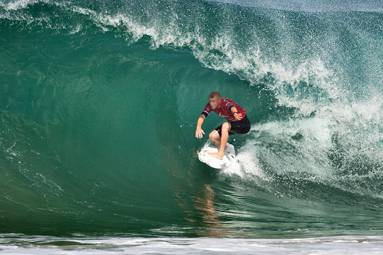 Mick Fanning: negotiating the exit at Hossegor