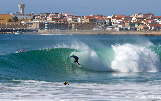 Mick Fanning: hiding in the Peniche barrels