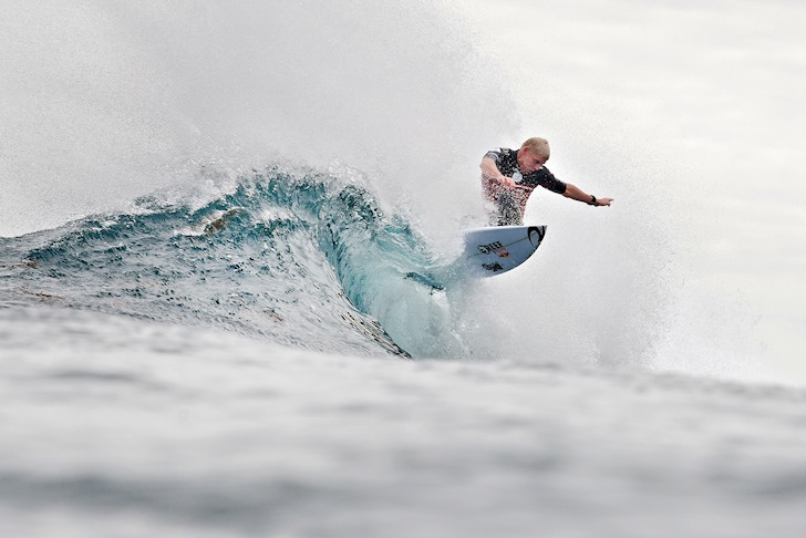 Mick Fanning: floating at Margaret River | Photo: ASP/Kelly Cestari