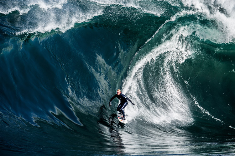Mick Fanning: a knight of the waves | Photo: Gibson/Red Bull