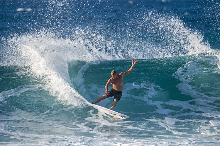Mick Fanning: he rides for Rip Curl | Photo: Red Bull