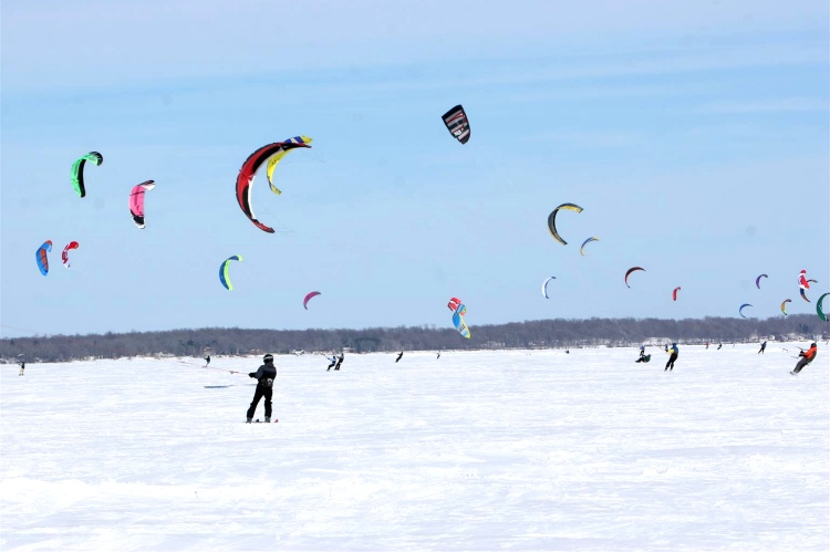 Mille Lacs Snow Kite Crossing: it's cold out there