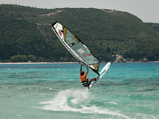 Milos Beach: plenty of space for windsurfing tricks