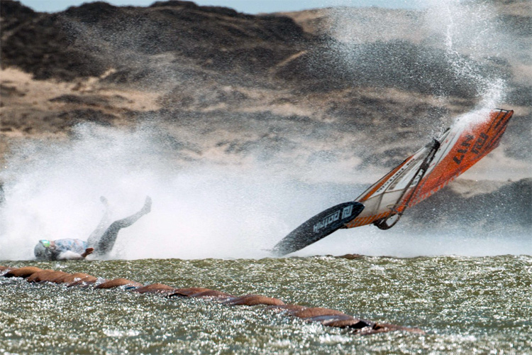 Speed windsurfing: crashing at high speed is sometimes inevitable | Photo: Miriam Rasmussen