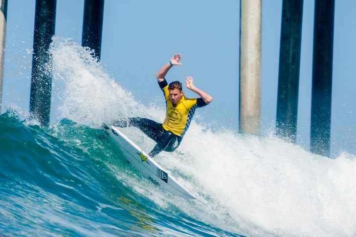 Mitch Crews: hands in the air if you love Huntington Beach | Photo: Michael Lallande/US Open of Surfing
