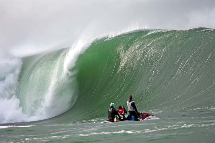 Mullaghmore Head: Ireland's premium big wave surf break | Photo: Discover Bundoran