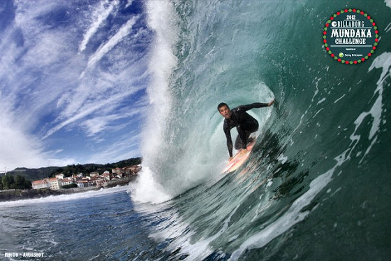 Mundaka: the surf town where you only drive lefthanders
