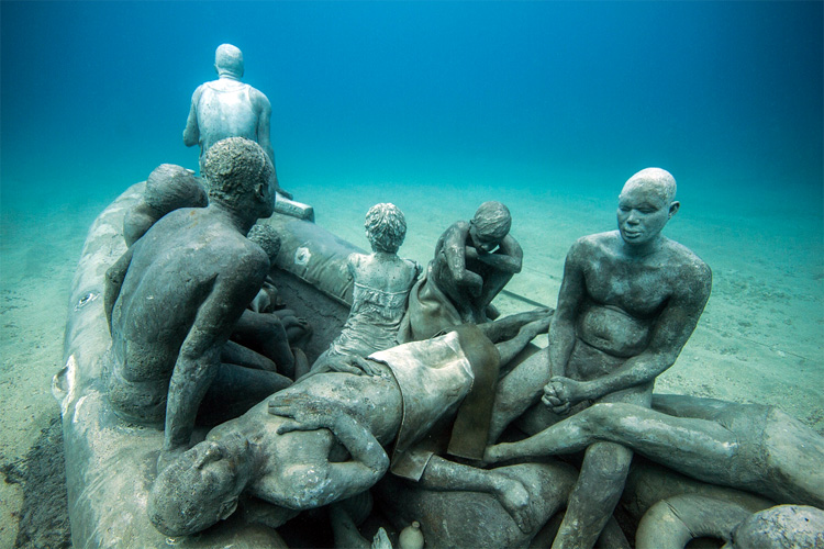 Museo Atlantico: the figures will permanently live 45 feet (14 meters) below the water level | Photo: Jason deCaires Taylor
