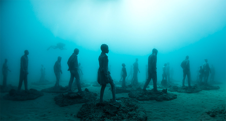 Museo Atlantico: 300 life-sized figures sculpted by Jason deCaires Taylor | Photo: Jason deCaires Taylor