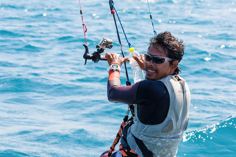 Narapichit Pudla: he kite crossed the Gulf of Thailand in four hours